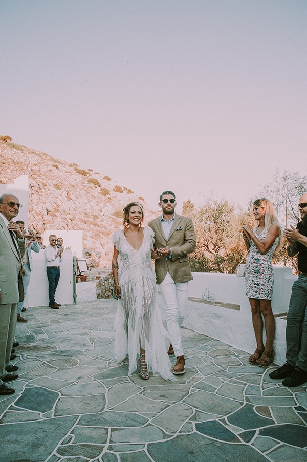 summer-wedding-sifnos-romantic-atmosphere-fairylights-_14