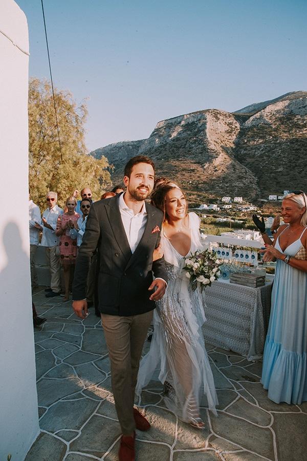 summer-wedding-sifnos-romantic-atmosphere-fairylights-_17