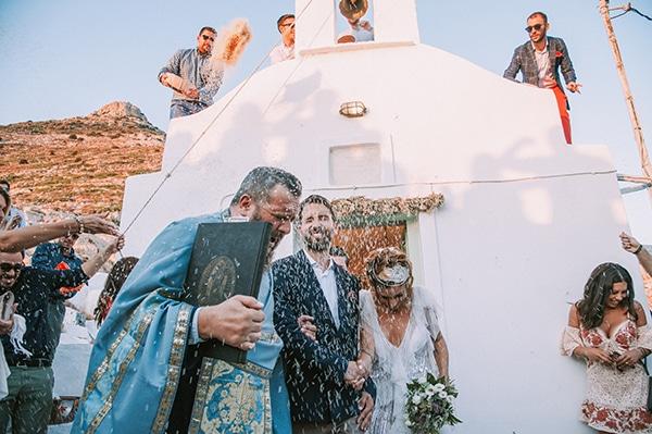summer-wedding-sifnos-romantic-atmosphere-fairylights-_25