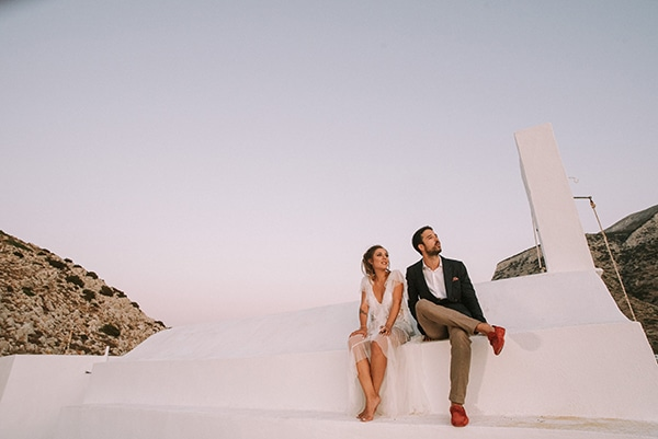 summer-wedding-sifnos-romantic-atmosphere-fairylights-_28