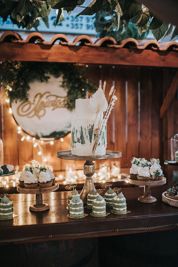boho-romantic-baptism-ideas-decorations-pampas-grass-emerald-green-details-_09x