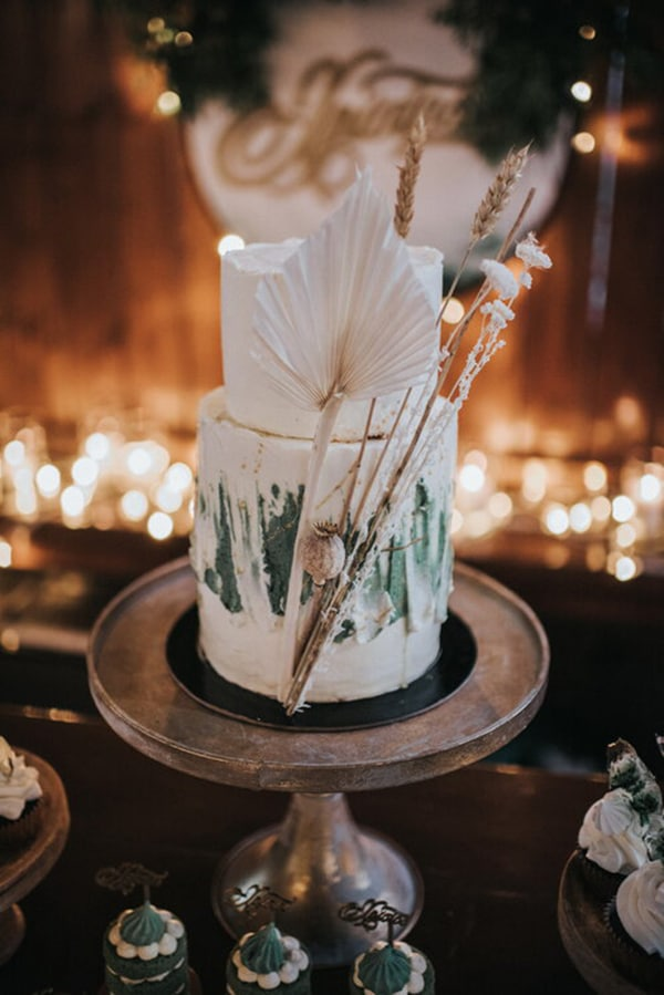 boho-romantic-baptism-ideas-decorations-pampas-grass-emerald-green-details-_11