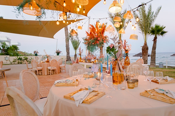 unique-wedding-decoration-ideas-bohemian-wedding-vivid-peach-hues-pampas-grass_02