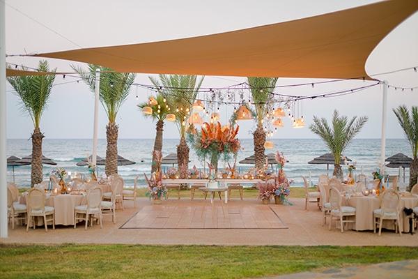 unique-wedding-decoration-ideas-bohemian-wedding-vivid-peach-hues-pampas-grass_05