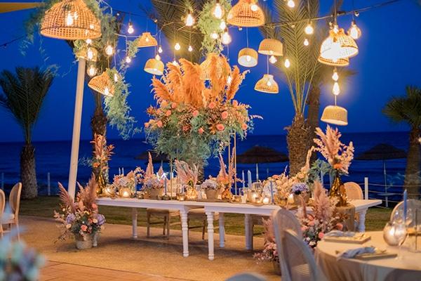 unique-wedding-decoration-ideas-bohemian-wedding-vivid-peach-hues-pampas-grass_06