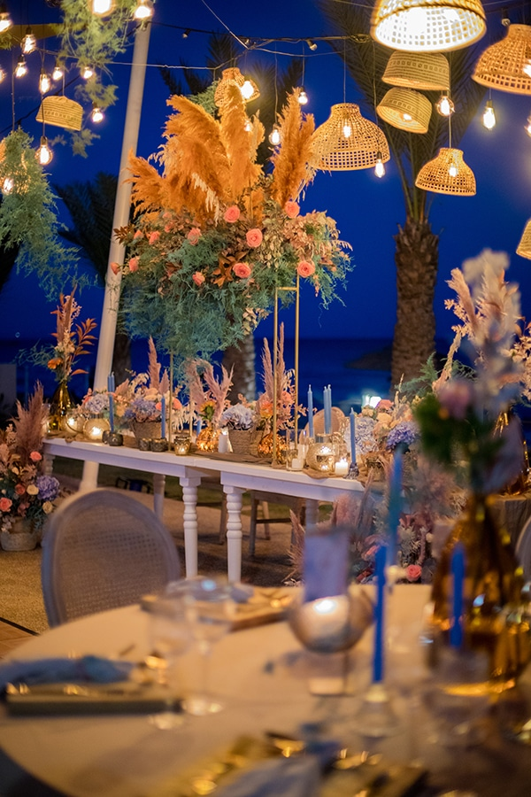 unique-wedding-decoration-ideas-bohemian-wedding-vivid-peach-hues-pampas-grass_07