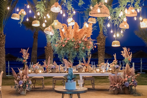 unique-wedding-decoration-ideas-bohemian-wedding-vivid-peach-hues-pampas-grass_08
