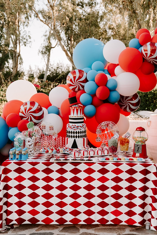wonderful-boy-baptism-decoration-ideas-theme-circus_01
