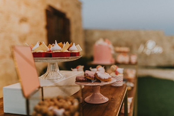baptism-decorative-ideas-pale-pink-romantic-details_14x