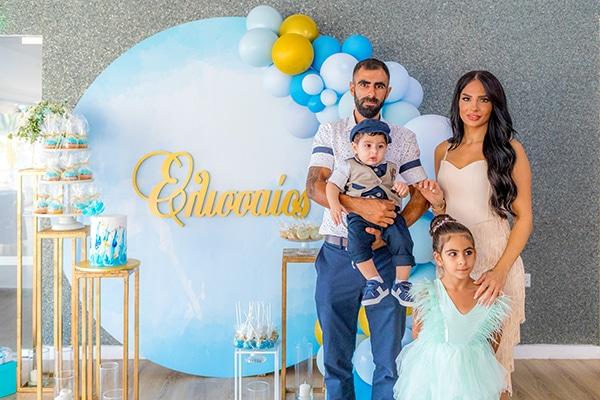 beautiful-summer-boy-baptism-larnaca-balloons-blue-gold-color_02x