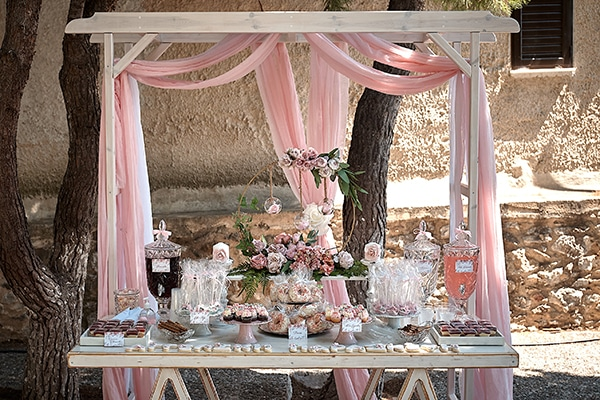 girl-baptism-ideas-flowers-dusty-pink-hues_01