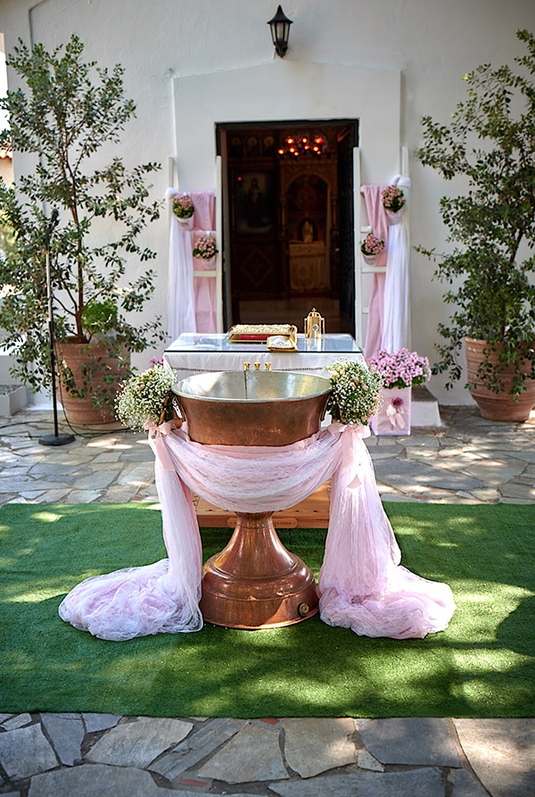girl-baptism-ideas-flowers-dusty-pink-hues_01x