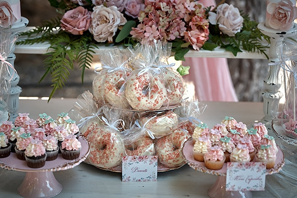girl-baptism-ideas-flowers-dusty-pink-hues_02x