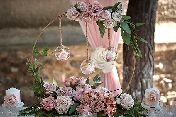 girl-baptism-ideas-flowers-dusty-pink-hues_03x