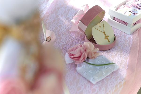 girl-baptism-ideas-flowers-dusty-pink-hues_07