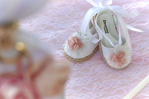 girl-baptism-ideas-flowers-dusty-pink-hues_07x