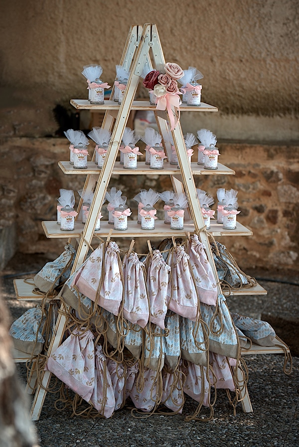 girl-baptism-ideas-flowers-dusty-pink-hues_09
