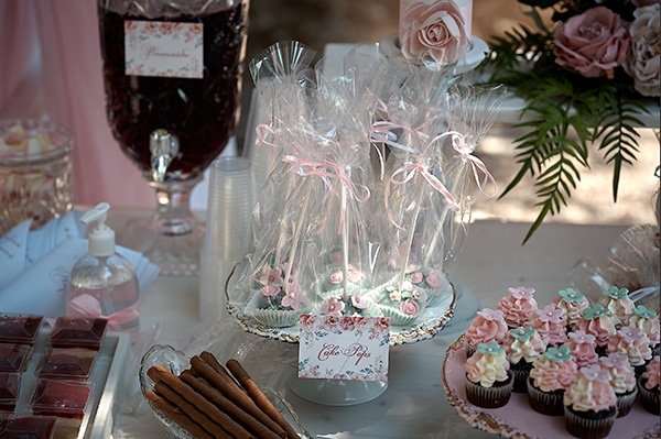 girl-baptism-ideas-flowers-dusty-pink-hues_10x