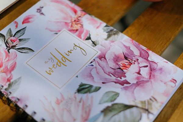 lavish-floral-pattern-wedding-notebooks-stylish-bride_01