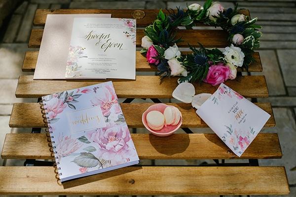 lavish-floral-pattern-wedding-notebooks-stylish-bride_03