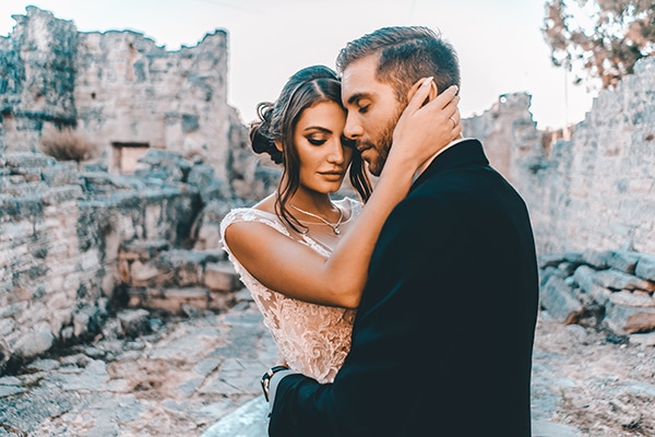 romantic-chic-styled-shoot-in-cyprus_01