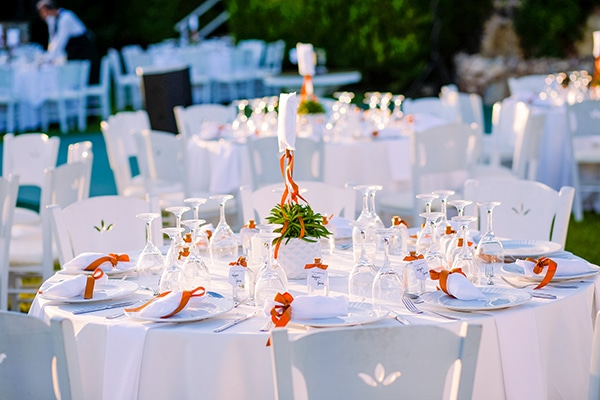 wedding-decoration-ideas-white-terracotta-hues_01