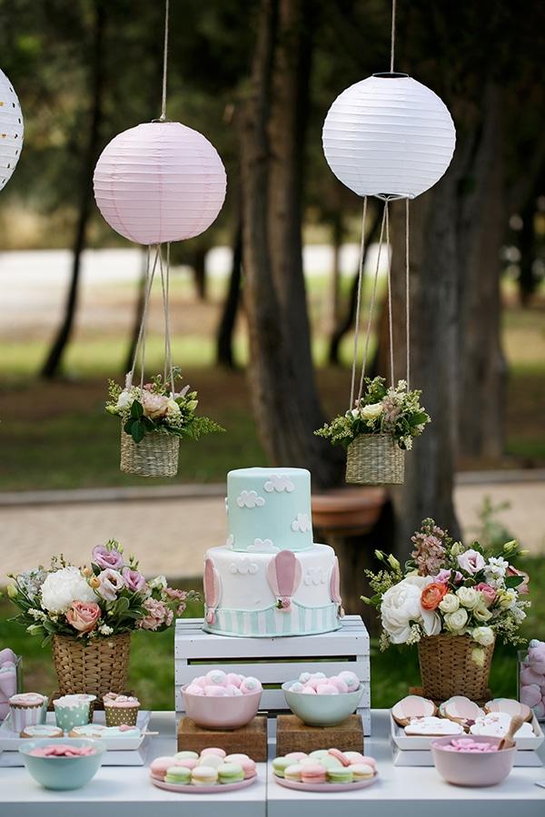 beautiful-inspiring-ideas-girl-baptism-theme-air-baloon_12