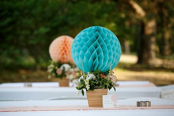 beautiful-inspiring-ideas-girl-baptism-theme-air-baloon_18