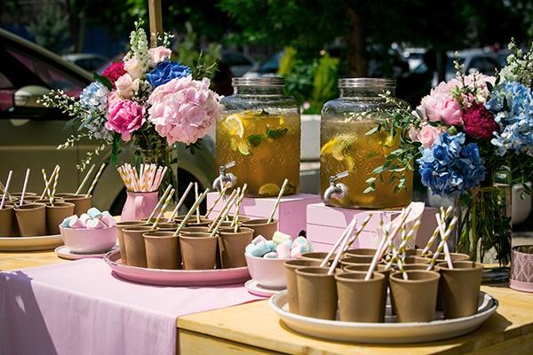 beautiful-spring-decoration-ideas-girls-baptism_02