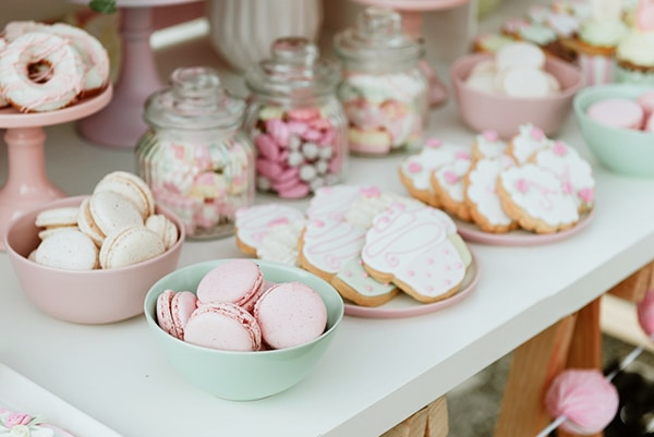 beautiful-sweet-girl-baptism-ideas-theme-french-patisserie_08x