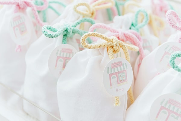 beautiful-sweet-girl-baptism-ideas-theme-french-patisserie_12