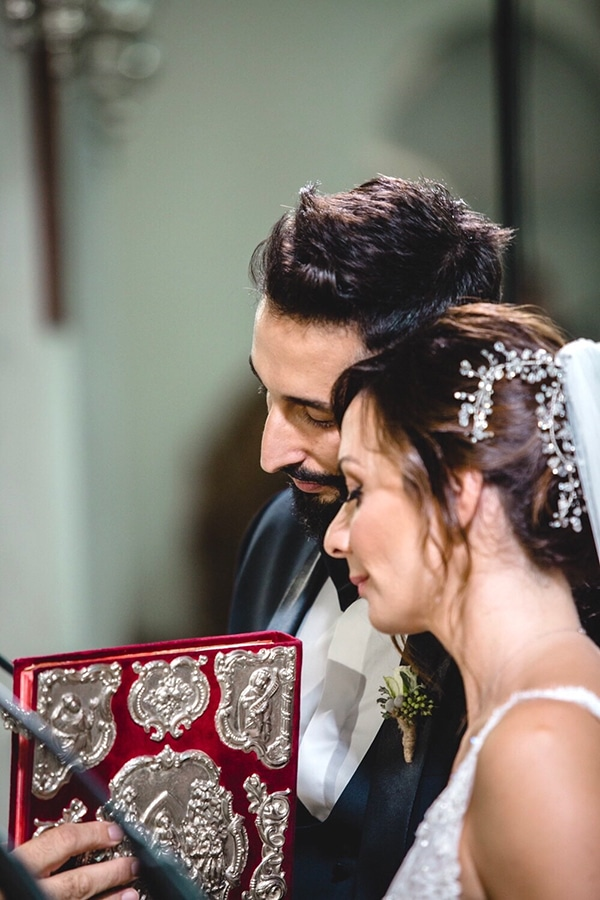 fall-wedding-thessaloniki-roses-baby-breath_11