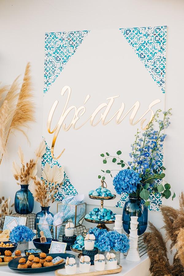 impressive-boy-baptism-ideas-decoration-chinoiserie-patterns-pampas-grass_07x