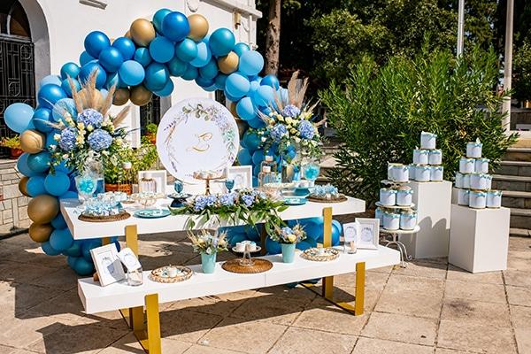 impressive-boy-decoration-ideas-blue-balloons-hydrangeas_01