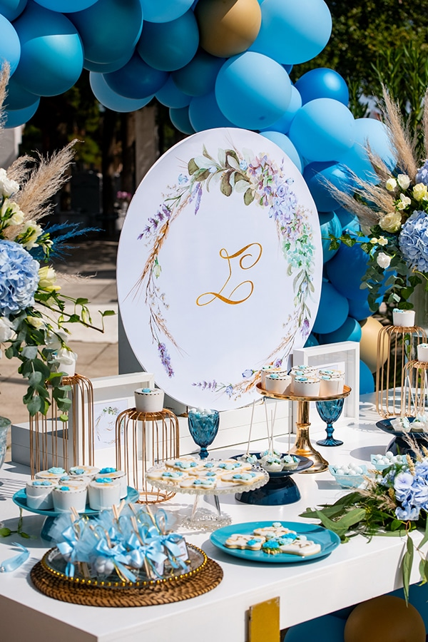 impressive-boy-decoration-ideas-blue-balloons-hydrangeas_01x