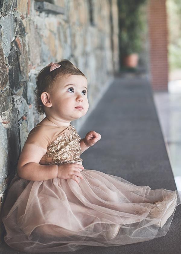 romantic-fall-girl-baptism-nicosia-gold-details-macrame_01x