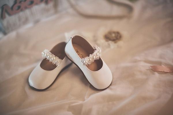 romantic-fall-girl-baptism-nicosia-gold-details-macrame_03