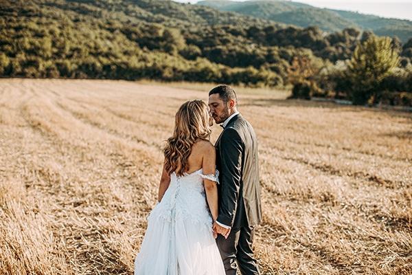 romantic-summer-wedding-larisa-beautiful-floral-arrangements_03