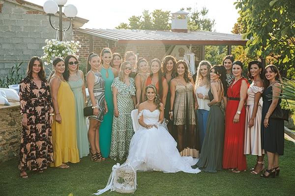 romantic-summer-wedding-larisa-beautiful-floral-arrangements_05x