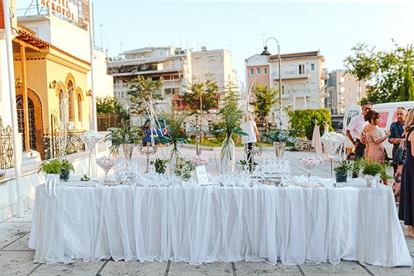 romantic-summer-wedding-larisa-beautiful-floral-arrangements_07x
