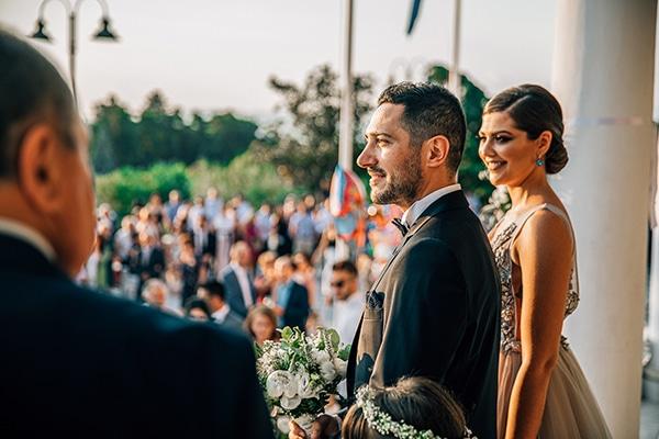 romantic-summer-wedding-larisa-beautiful-floral-arrangements_12