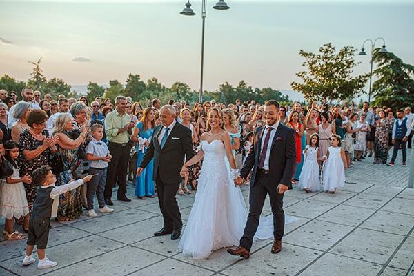 romantic-summer-wedding-larisa-beautiful-floral-arrangements_13