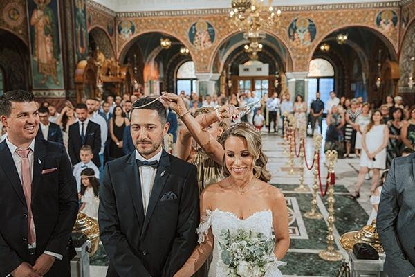 romantic-summer-wedding-larisa-beautiful-floral-arrangements_17