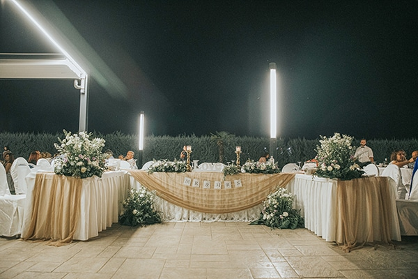 romantic-summer-wedding-larisa-beautiful-floral-arrangements_19