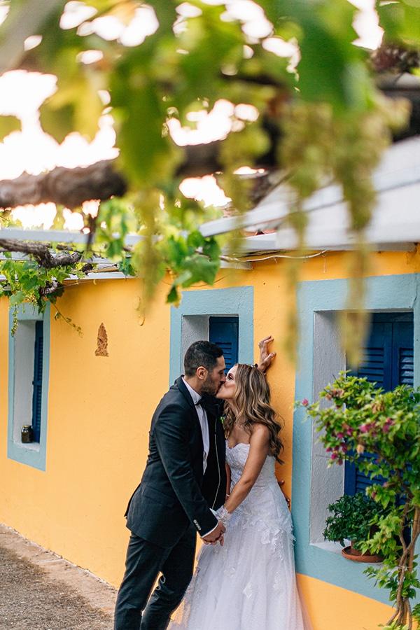 romantic-summer-wedding-larisa-beautiful-floral-arrangements_23x