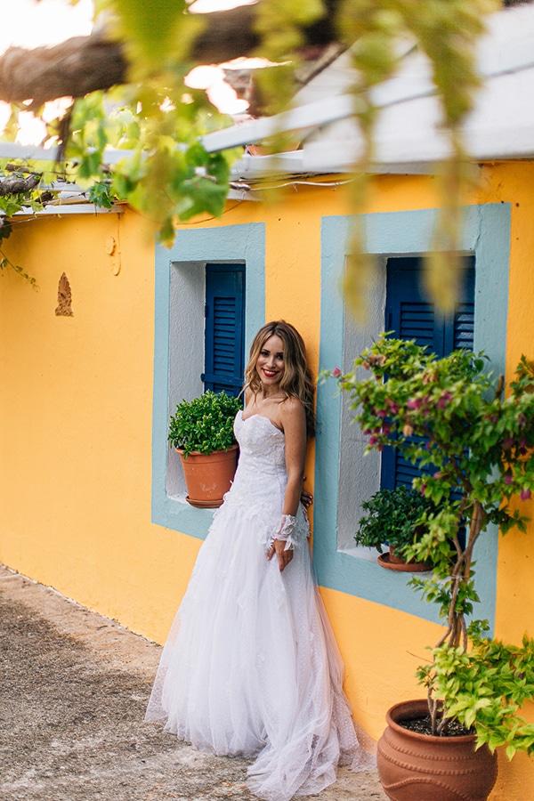romantic-summer-wedding-larisa-beautiful-floral-arrangements_24x
