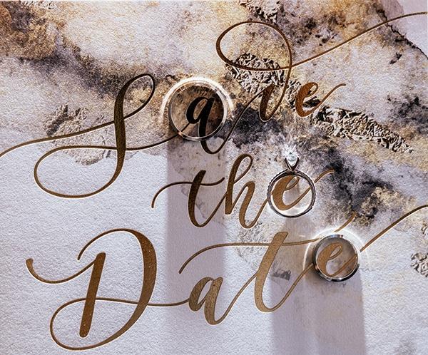 summer-wedding-serres-white-orchids-gold-details_03