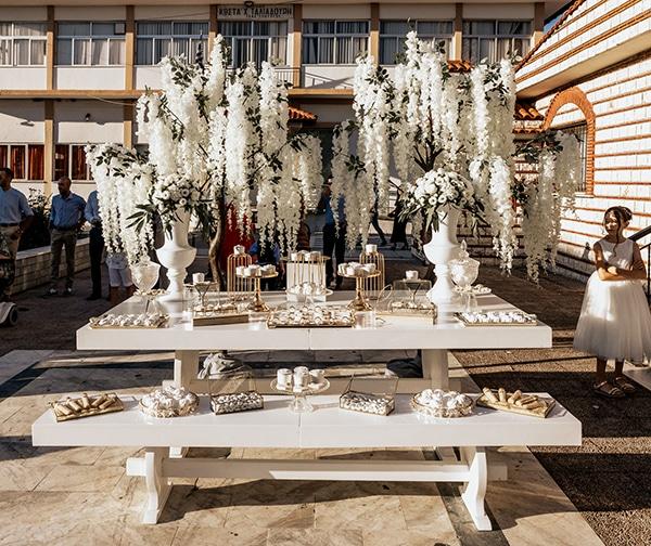 summer-wedding-serres-white-orchids-gold-details_07