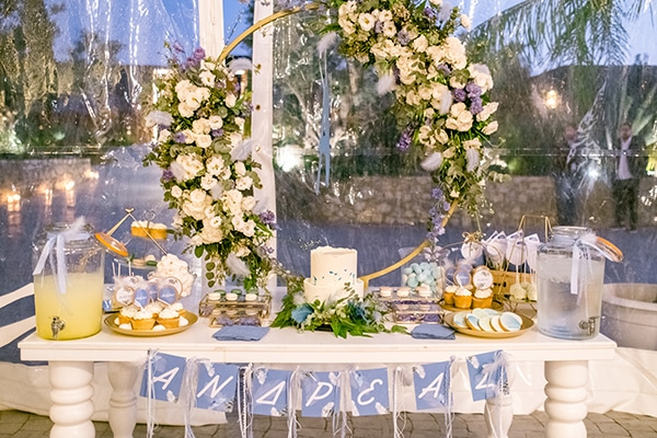 beautiful-decoration-ideas-fresh-flowers-romantic-baptism_01