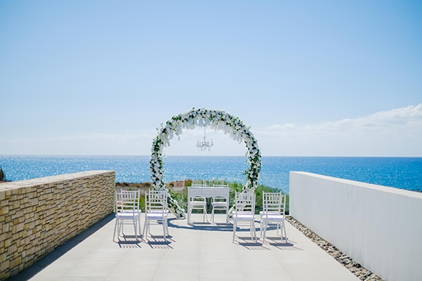 fall-wedding-paphos-white-green-hues_10